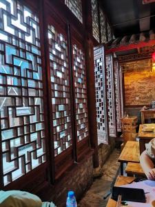 火锅店窗子